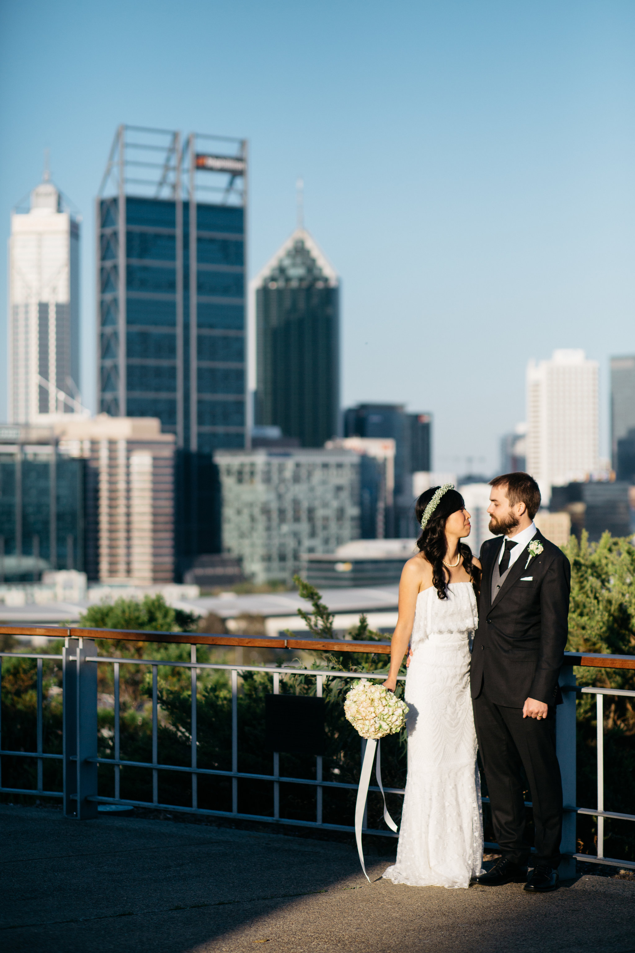 Bride and groom, Perth skyline