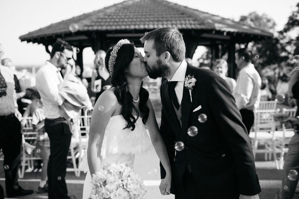 Recession walk, bubbles, Perth Kings Park Wedding, Rotunda One