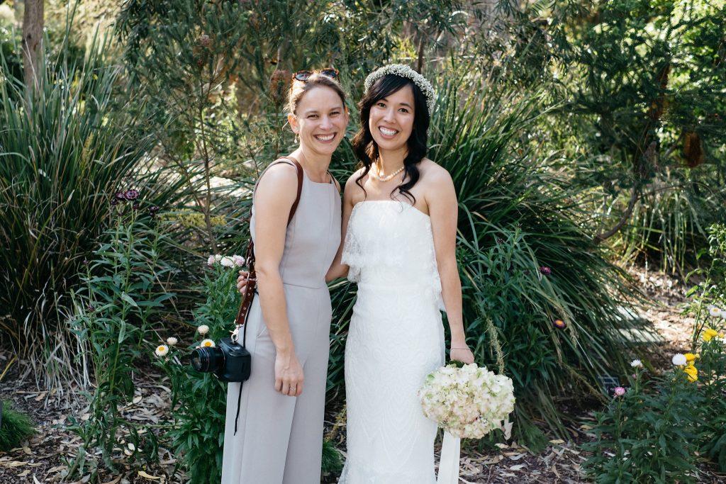 Wedding photographer Ella of Tea & Oranges with bride in Kings Park