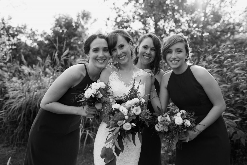 Bride and her bridesmaids at la Maison d'Evelyn, Saint-Jude