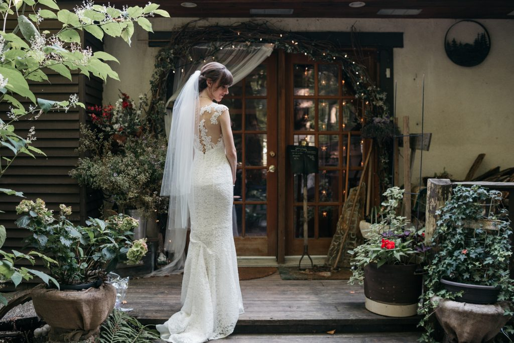 Bride at la Maison d'Evelyn, Saint-Jude