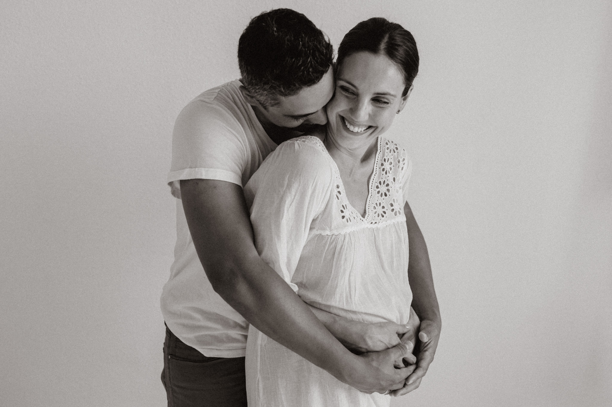 Laura and N'tamo, Barcelona maternity session